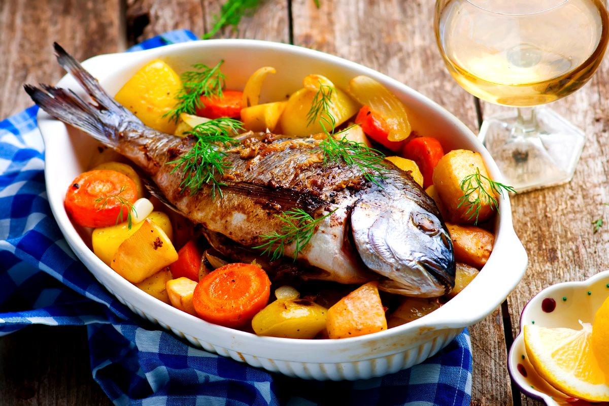 Ешьте больше овощей и рыбы — соединения в обоих продуктах способствуют здоровью сердца