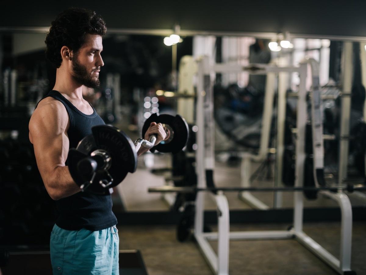 Что лучше: больше повторений с лёгким весом или меньше с тяжёлым? Рекомендации спортсмена - Чемпионат